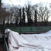 Das Jahr fing nicht gut an. In der Nacht zum Freitag, dem 13. Januar wurde unsere Halle vom Sturm beschädigt und zu Boden gedrückt..