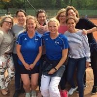Damen 40/2 im Sommer 2017: Corinna, Claudia G., Eta, Claudia E., Nici, Irene, Steffi vorne und Biggi hinten.