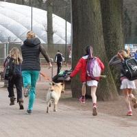 Spurt zum Training: Marie, Jula und Lotta. Freitag, 17.03.2017
