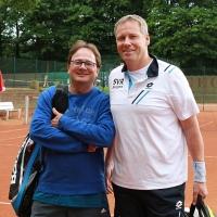 Hans und Jürgen betreten den Centercourt. Mittwoch, 7. Juni 2017
