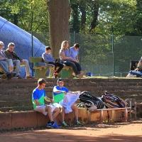 Sven und Jörg (re.) gewannen 5:7, 6:2, 10:7. Herzliche Glückwünsche!