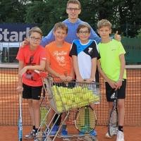 Centercourt-Tennis mit Tom