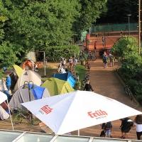Schon am Morgen waren die ersten Zelte aufgebaut worden.