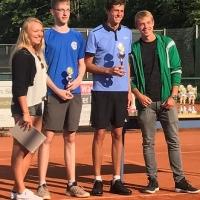 U16-Stadtmeister Jan (re.)
