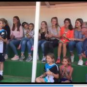 Team, Fans und Cheftrainer Markus Holthaus. Suchbegriff für das youtube-Video: klaus059