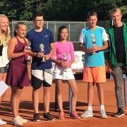 Mixed U14-Stadtmeister: Caro und Joshua (re.)