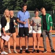 Mixed U18-Zweite: Carlotta und Jan (li.)