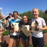 Anna-Lynn und Clara gewannen den Juniorinnen-Doppel-Wettbewerb, Luisa wurde Juniorinnen-Siegerin. Herzliche Glückwünsche!!!