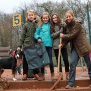 Mit Karl, Lale, Jula und Kathrin