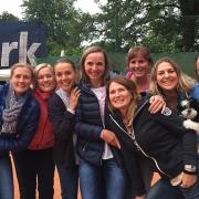 Glückliche Damen 30/1 am 24. Juni nach dem Aufstieg in die 2. Verbandsliga