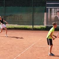 Fabienne und Lukas gegen . . .