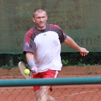 Herren 30- Wettbewerb: Adrian gegen . . .