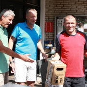 Turnierleiter Frank und BRANTEC.-Inhaber Jürgen mit Herren 30-Sieger Adrian