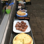 Kuchenbuffet der Jugend