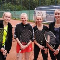 26. Mai: Fabienne, Marlene, Nathalie und Jana für die 1. Damen