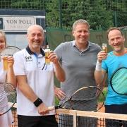 Das letzte Foto. Mit den Turnierleitern Andi und Jürgen.