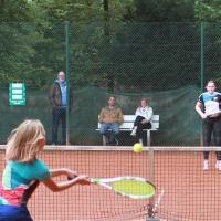 Lotta gegen Paulina 4:6, 7:5, 3:10. Starkes Tennis!