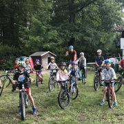 Die Radfahr-Gruppe vor dem Start