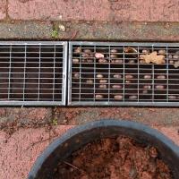 . . . optimierte er Funktion und Optik der Entwässerungsrinne.