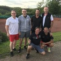 Herren 40/1 am 20.06.2020: hinten: Jörg, Jürg, Bernd und Klaus. Vorne: Andreas und Martin.