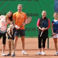 Jutta, Ben mit Idefix, Michael, Silvia und Anne