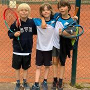 Midcourt am 26.08.2021: Jakob, Ben und Jaron