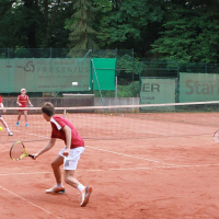 Andreas und Nikolina (hinten) gegen Niklas und Julia