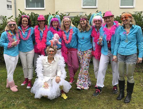 Foto: 10 Damen vor der Damensitzung