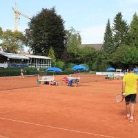 StM 2016 Erw.: Am 10. September traten wir bei Grün-Gold Bensberg zu den Stadtmeisterschaften an. Unsere Gegner waren die Tennisfreunde Grün-Weiß aus Bergisch Gladbach.