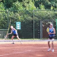 StM 2016 Erw.: Stephanie und Lisa im Damen 50 Doppel. Herzlichen Dank allen, die den SVR bei den Stadtmeisterschaften vertreten haben. Grün-Gold Bensberg wurde Im Finale am 11. September Stadtmeister gegen TuS Moitzfeld.