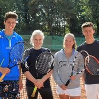 StM 2016 Jugend: U18-Mixed (RR): Janni und Annika (SVR) gegen Anna und Louis (TC GG Bensberg)