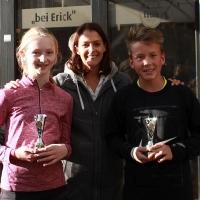 StM 2016 Jugend: Jolina und Jasper (Zweite U14 Mixed) mit Turnierleiterin Steffi.