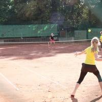StM 2016 Jugend: Die Forsetzung vom Vortag: U14 Mixed Halbfinale: Luis und Carlotta (hinten) gegen Jolina und Jasper (vorne)