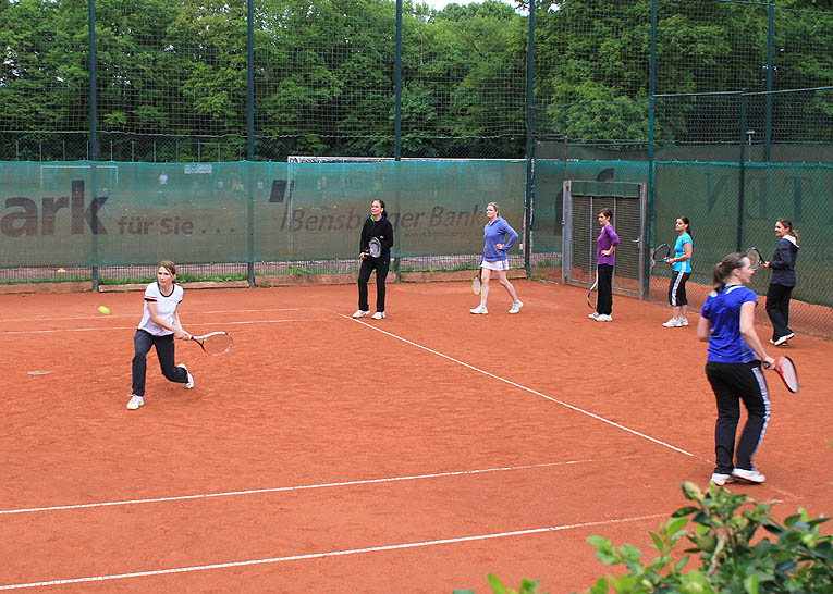 Professionelles Tennistraining mit der Tennisschule Markus Holthaus